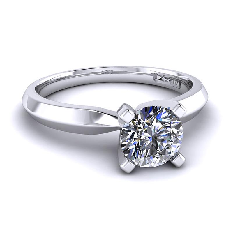 Prsten s dijamantom