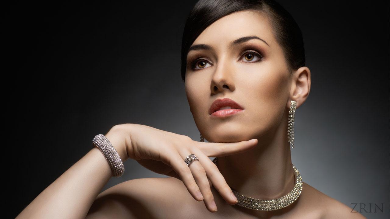 Komplet nakita, naušnica, narukvica, prsten i ogrlica